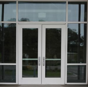 tips to find commercial doors